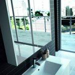 Cygnus Bath SCHWAN - Armoire avec miroir pour salle de bains, suspendu, 80 cm, munie de 2 portes à fermeture amortie, étagères en verre, prise et interrupteur à l'intérieur, finition blanc de la marque image 3 produit