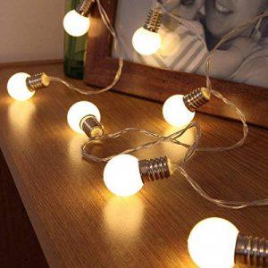 Guirlande Lumineuse Décorative 10 Mini Ampoules Rondes Opaques Finition Culot Argenté - Éclairage à LED à Piles - avec Minuteur On/Off Auto - 1,50 Mètre de la marque Festive Lights image 0 produit